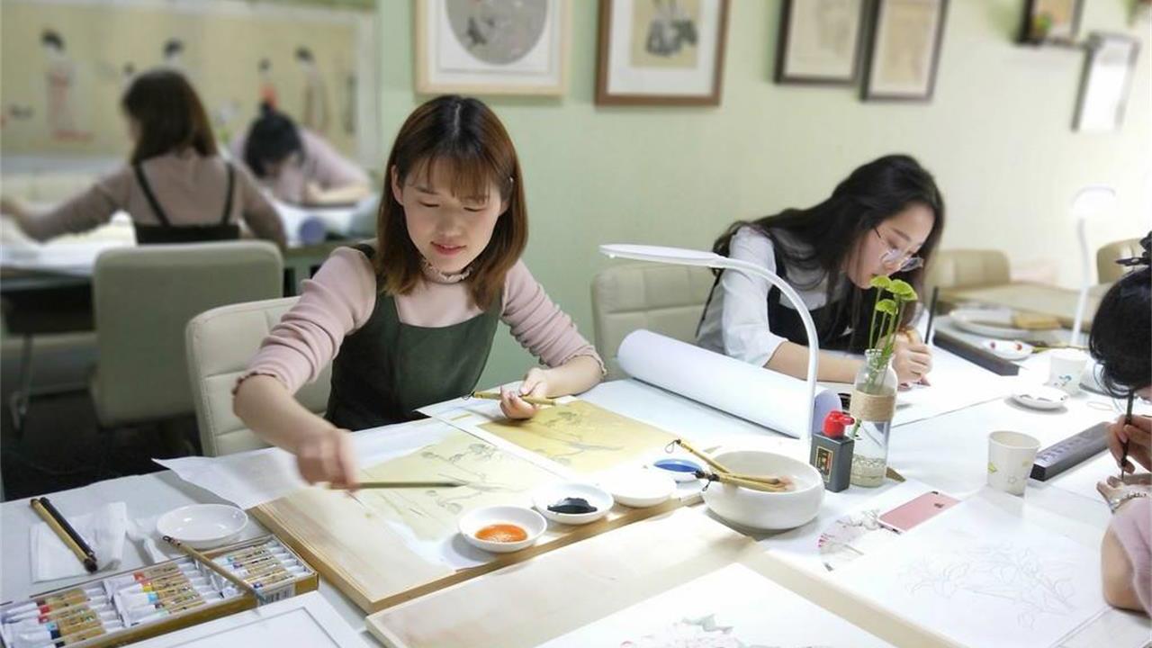 女孩学的艺术专业