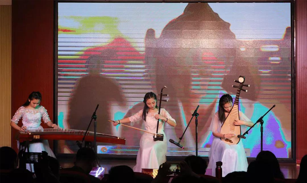 bet36体育在线:華唐藝術高中,聲樂專業培訓