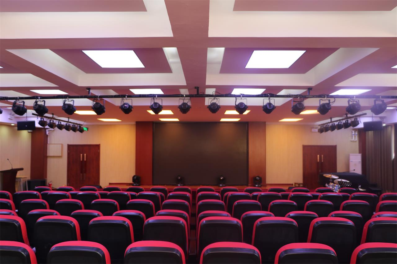 365体育备用网址:藝術學校,華唐藝術高中音樂報告廳
