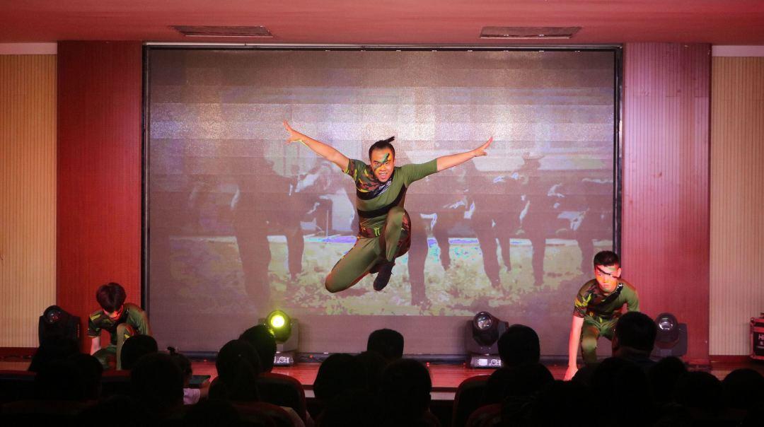 舞蹈表演專業考什麼,365体育备用网址:藝術學校