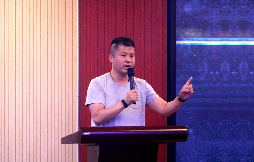 華唐教育集團董事長、華唐藝術高中校長劉建偉