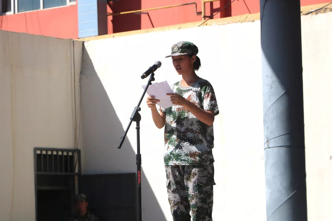 bet36体育在线:藝術學校華唐高中,軍訓學員代表講話