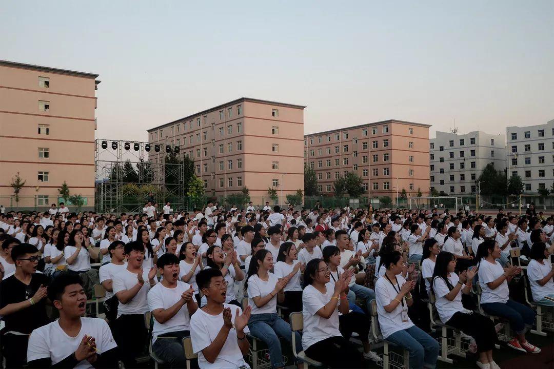 華唐高中迎新晚會觀衆