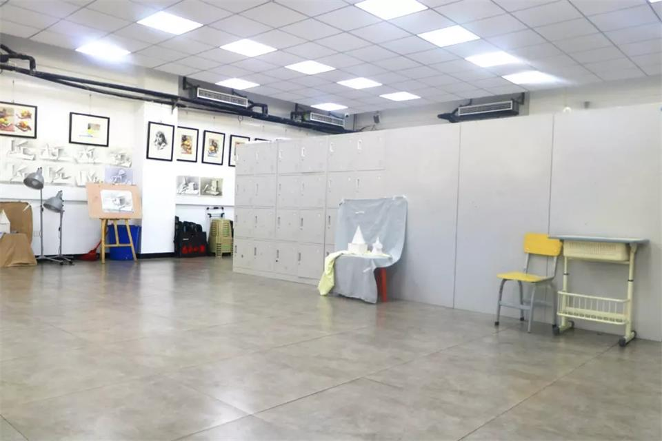 華唐藝術高中畫室