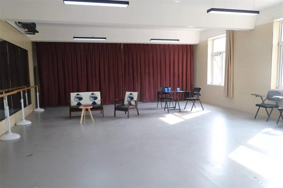 華唐藝術高中表演專業教室