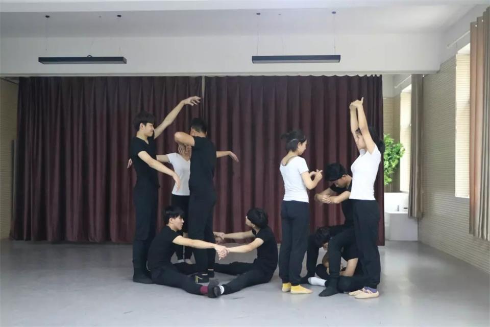戏剧表演专业