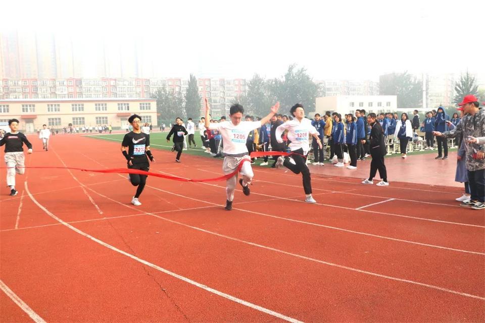 華唐藝術高中運動會