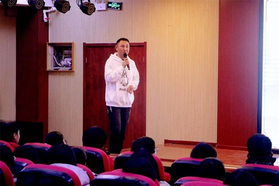 華唐藝術高中課程