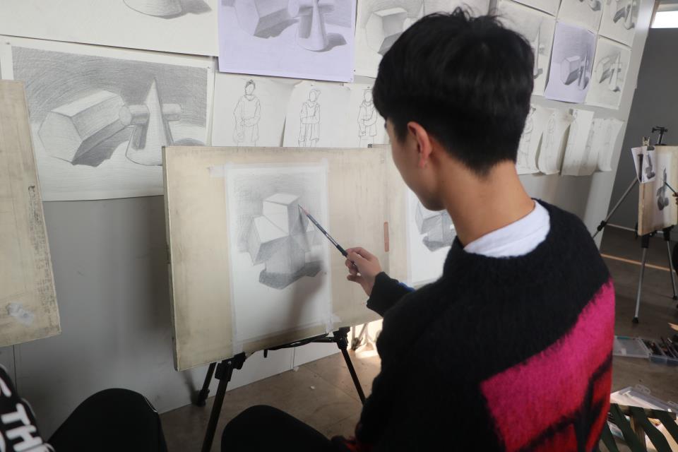 藝術高中的美術生都考哪些内容