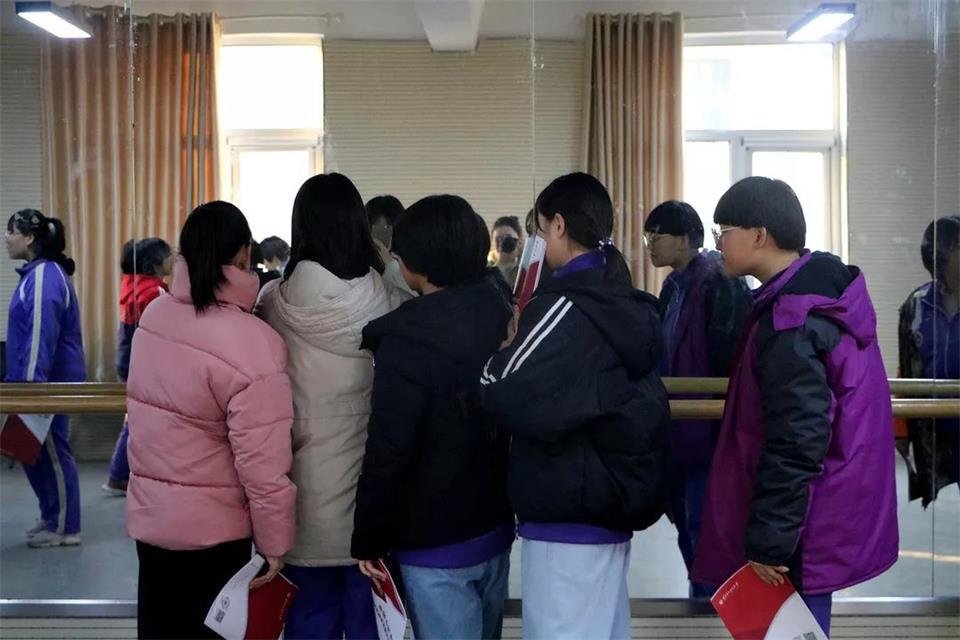 華唐藝術高中表演專業