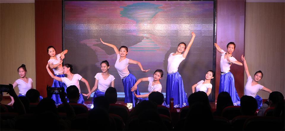 365体育备用网址:好的舞蹈藝術類高中