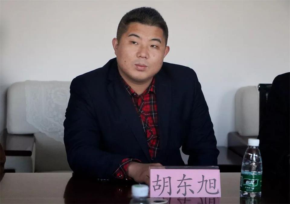 華唐藝術高中教務處副主任胡東旭