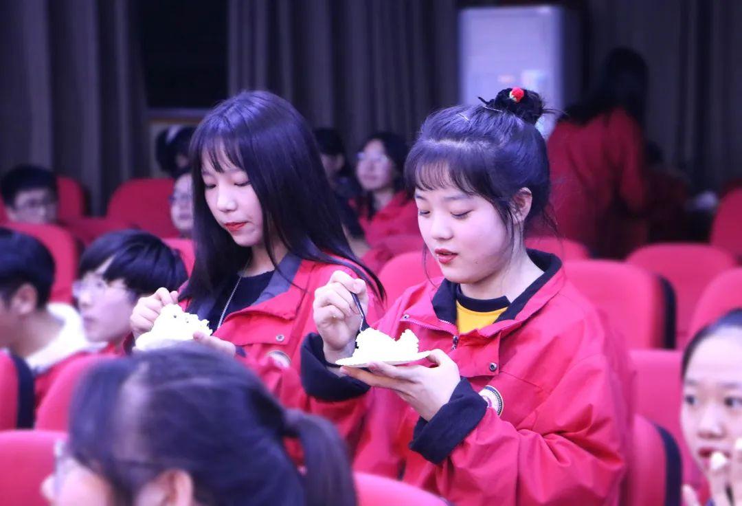 华唐艺术高中
